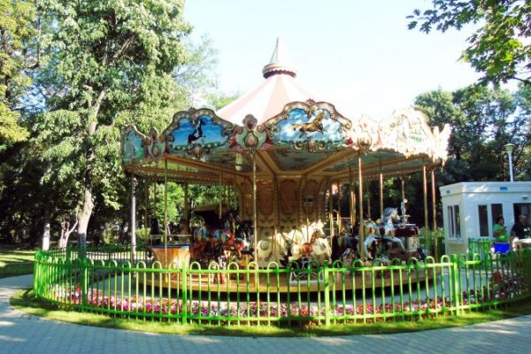 Carousel 15 (2)